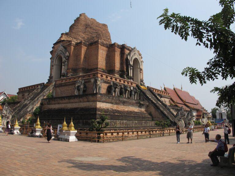 Wat chedi luang. Chiang Mai